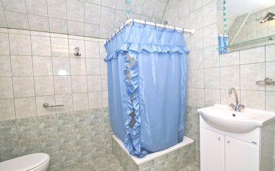 łazienka w pokoju ekonomicznym
