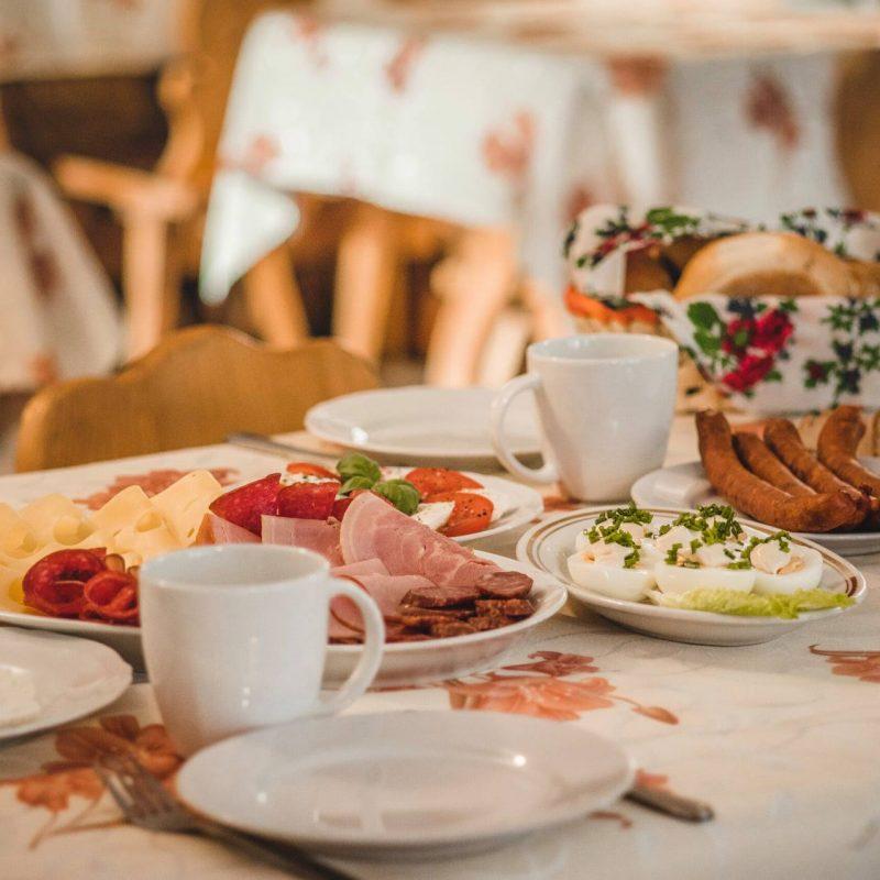 śniadanie pokoje z widokiem na Tatry